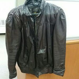 Kenar 100 brown leather jacket. Med